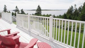 Seawind Landing Country Inn: View From The Deck Outside Ocean Mist Room