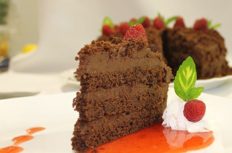 Seawind Landing Country Inn - dining chocolate cake slice