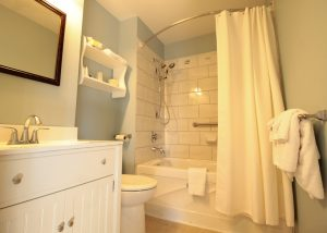 Seawind Landing - Island Watch ensuite1